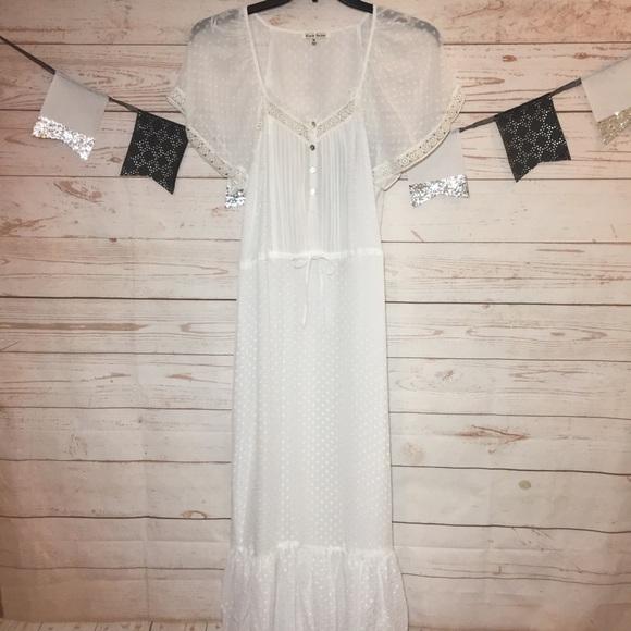 504cef285b Black Rainn Dresses & Skirts - Black Rainn White Maxi Boho Dress Size M